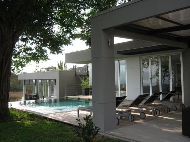 Black Beauty Tierra, a modern luxury home