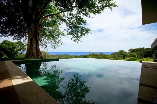 A modern eco-jungle villa
