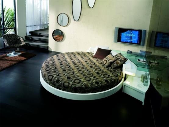 Round bed at Corner of the room