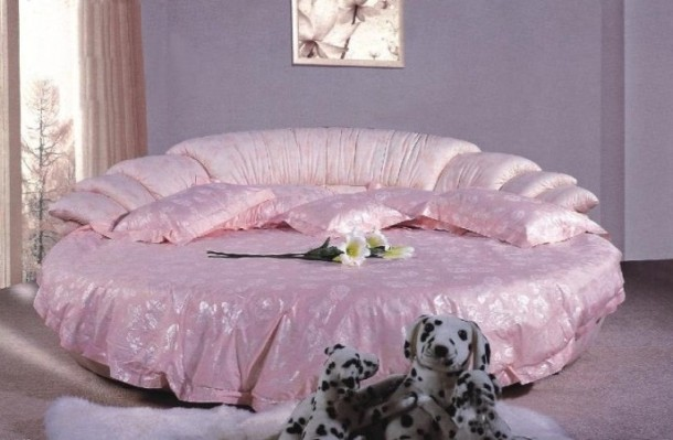 Pink Color Round Bed