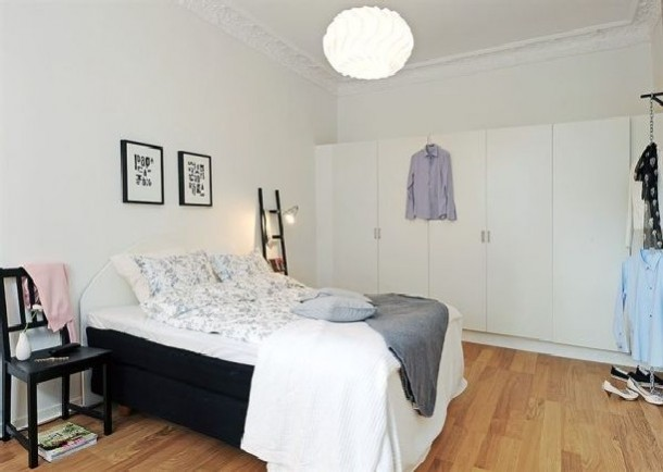 White closet design in bedroom