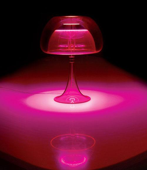Qisdesign lamp aurelia in pink light