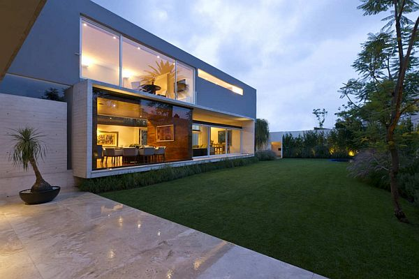 AE House in Mexico by twentyfourseven Architects