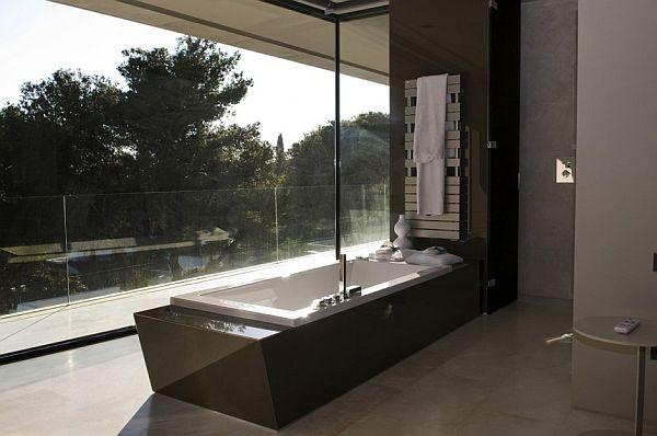 Bathtub Ideas at Modern Familiar House in Marbella by A-cero