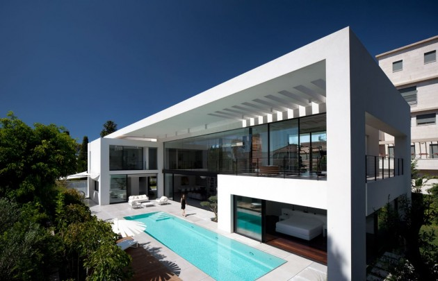 Contemporary Haifa House by Pitsou Kedem Architects