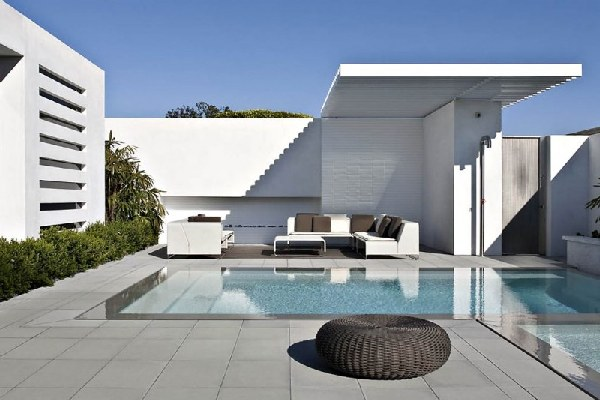 Harborview Hills in California by Laidlaw Schultz Architects Swimming Pool