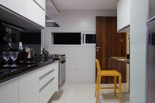 Modern House Design Carqueija House Brazil Kitchen