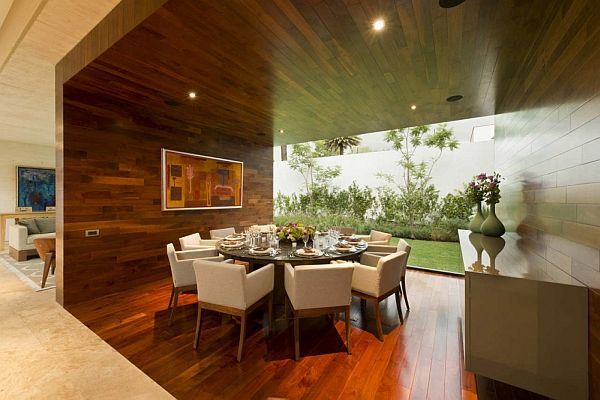 Modern House in Mexico by twentyfourseven Architects Dining