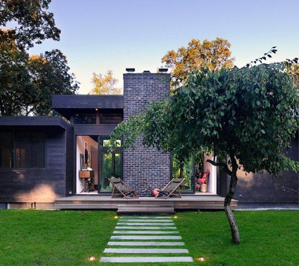 Modern Robins Way Residence