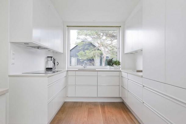 Shiny Kitchen Design at Gorgeous Hakansson Tegman Residence