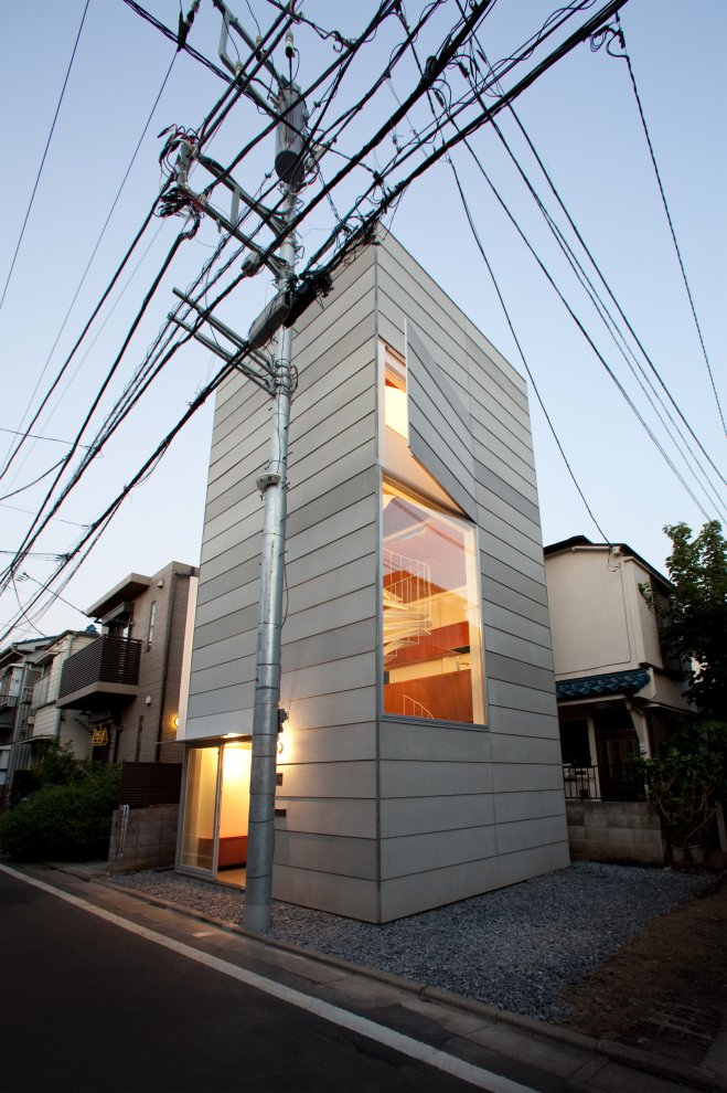Small House in Tokyo by Unemori Architects Compact Minimalist House