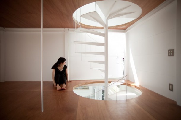 Small House in Tokyo by Unemori Architects Upper Level