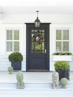 Smith Hawken Traditional Front Door Design