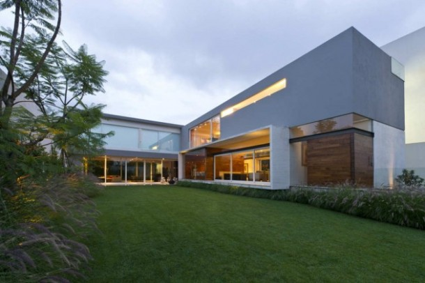 contemporary  House in Mexico by twentyfourseven Architects