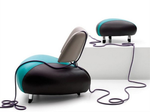 elegant leather armchair by leolux-pallone