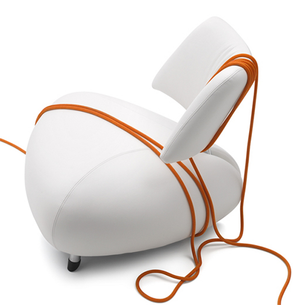 elegant white leeather armchair by leolux-pallone