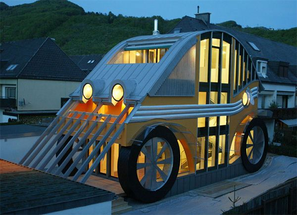 Incredible Compact House Shaped like an Automobile