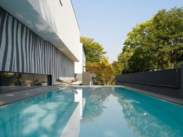 Swimming pool in House Heidehof