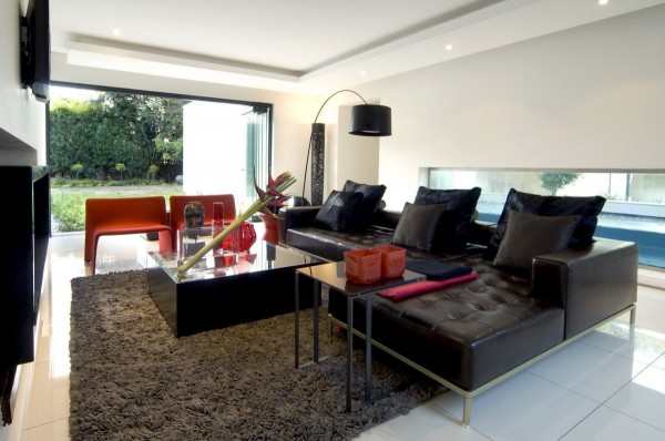 Interior Design Mosi House Remodel by Nico van der Meulen