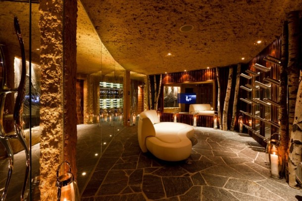 Lobby Interior Ideas at Luxury 6 Star Catered Chalet