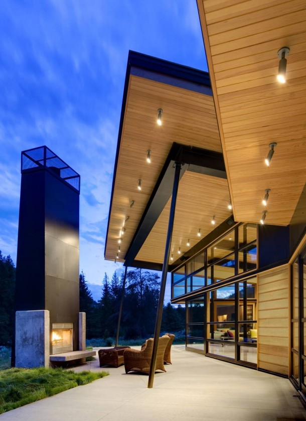 Modern River Bank House by Balance Associates Architects