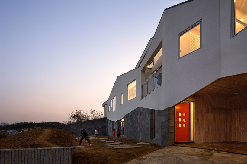 Contemporary Panorama House by Moon Hoon