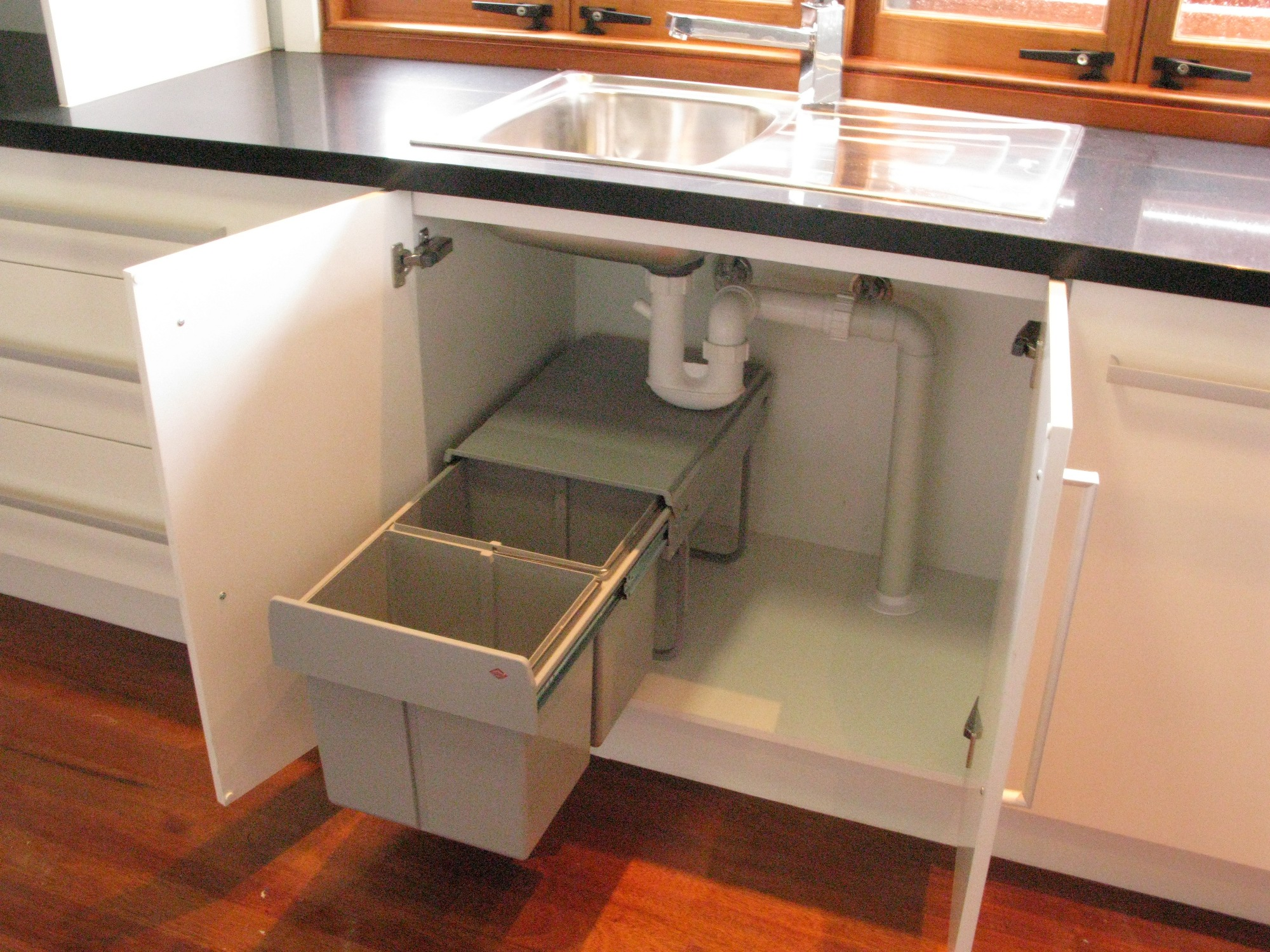 Unique freestanding loft sink by botinger and roi free bathroom sink