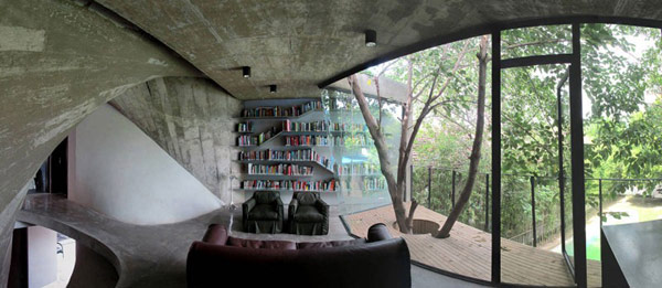 Balcony in Tea House and Library