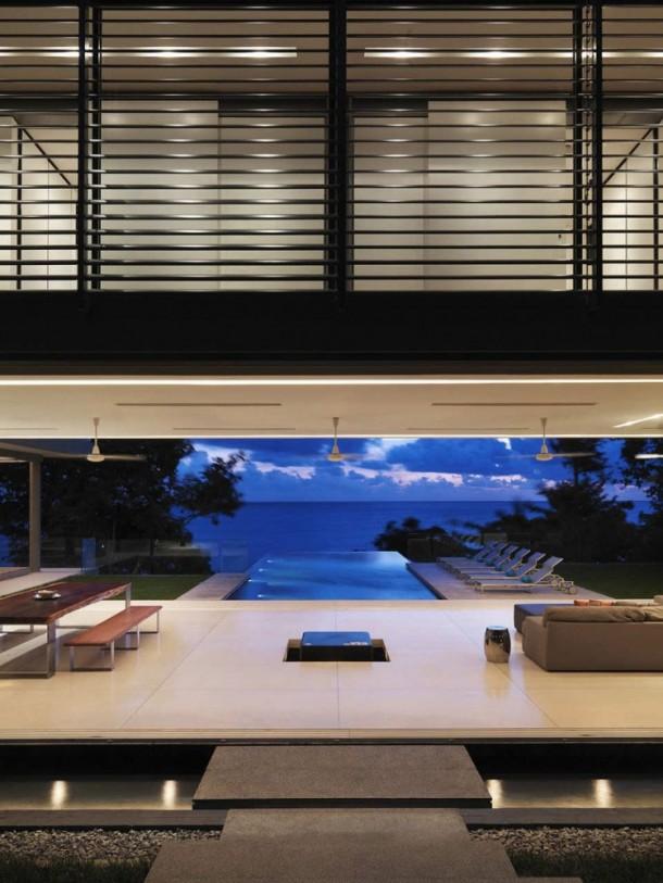 Villa Amanzi  night view