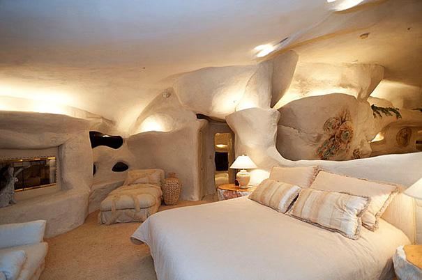 Dick Clark's Flintstones Estate bedroom