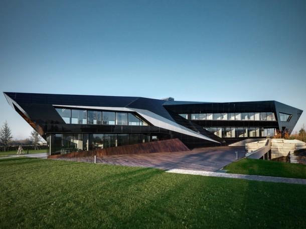 Side elevation Vidre Negre Office Building by Damilano Studio Architects