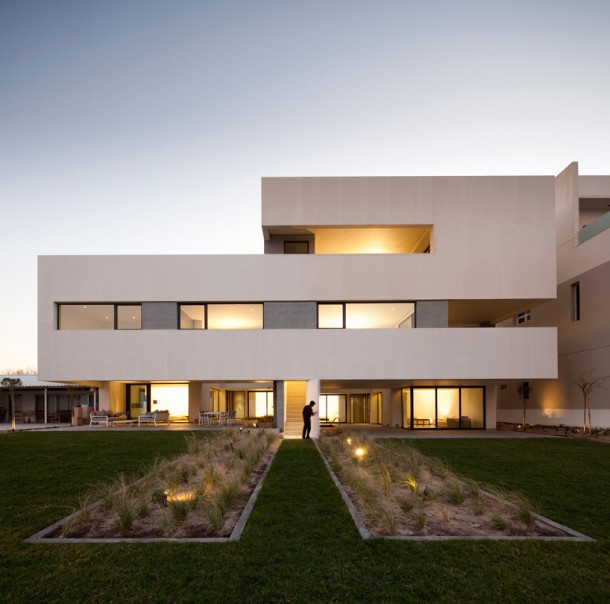 Contemporary S Cube Chalet in Kuwait by AGi Architects