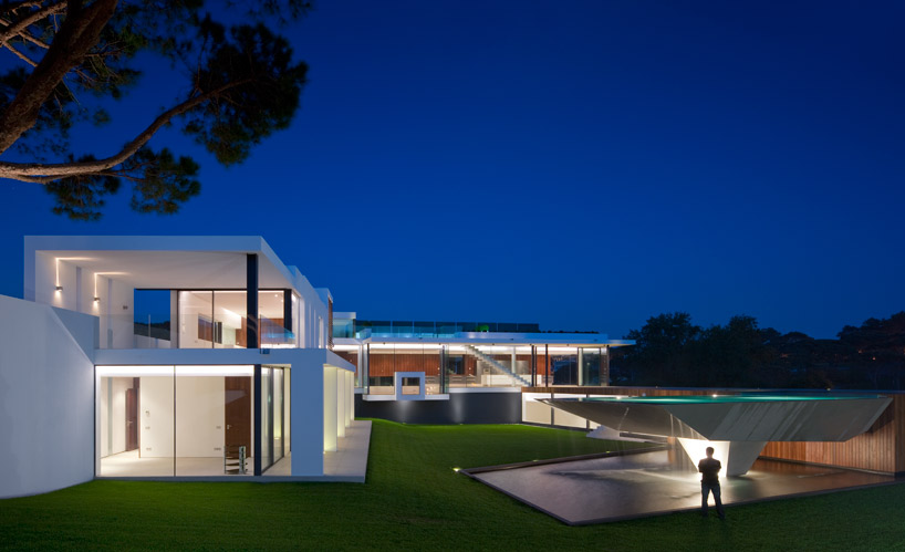 Luxury Villa Casa Vale do Lobo by Arqui+ Arquitectura