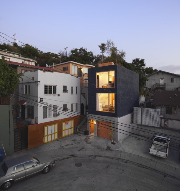 Narrow Residence in California